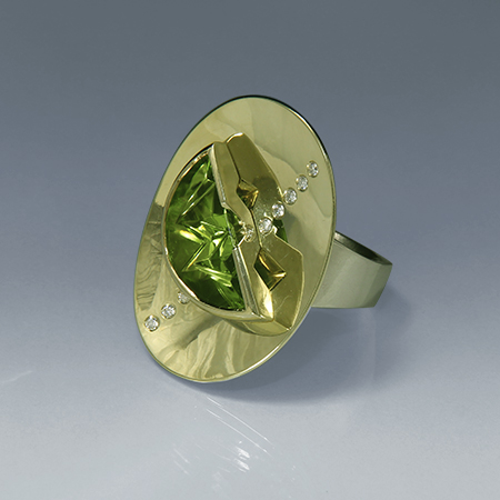 Alluring Lilly Pad Ring - Peridot
